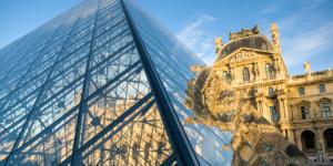 Paris (France) - Pyramide, Musée du Louvre Paris, I.M. Pei