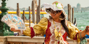 Venetian women dressed in traditional costume - Venice